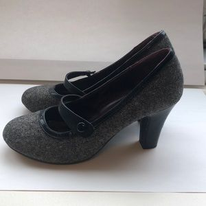 MaryJane Shoes / Black and Grey Pumps size 8
